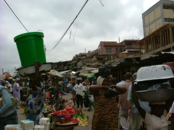 Carrying the shopping, Ghana style