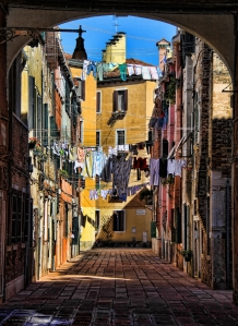 Laundry day in Venice, O Paisson