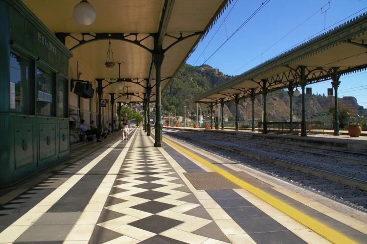 Taormina-Giardini station, Mathieu Dessus