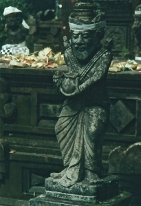 Temple sculpture, Pura Ulun Danu