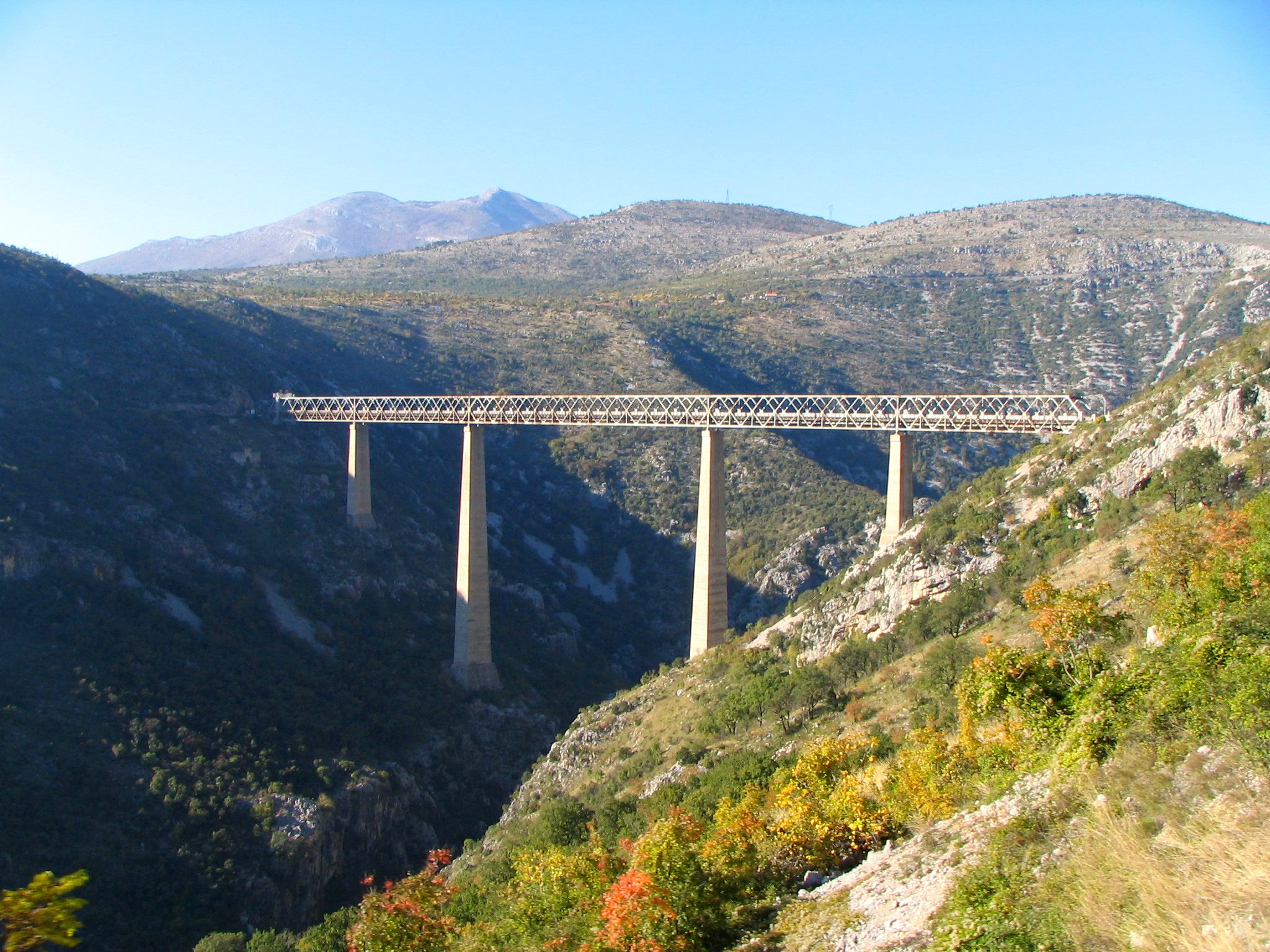 Mala Vijeka viaduct by Vicuna R, Flickr, CC BY-SA 2.0